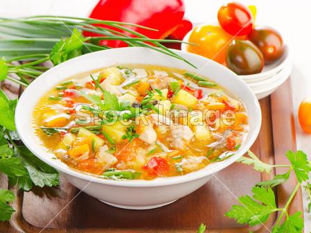 La zuppa di verdure in 3 ricette facili da preparare